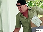 Delivery man Sean Lawless bangs teen Zoe Clark wet puss