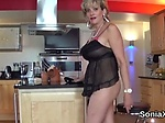 Unfaithful uk mature lady sonia pops out her enormous b