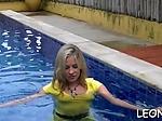 Nude maid Leony Aprill is enjoys teasing herself