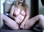 Mature mom masturbating and recordi...