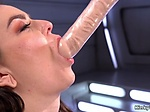 Solo squirter anal fucks machine