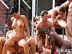 Bi sexual action in outdoor